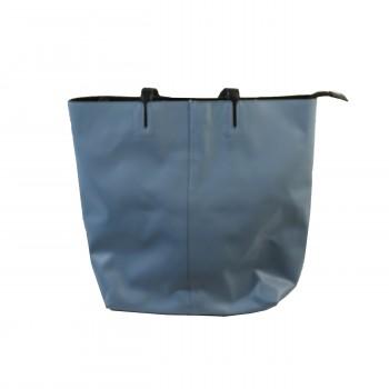 Sac à main bleu clair en simili-cuir à coutures originales et à lanière noire