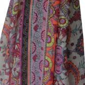Foulard multicolore à pompons avec imprimés baroques originaux