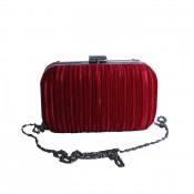 Pochette de soirée rouge en tissu plissé très habillée