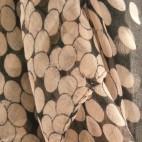 Grand foulard noir et beige à pois multiples en coton