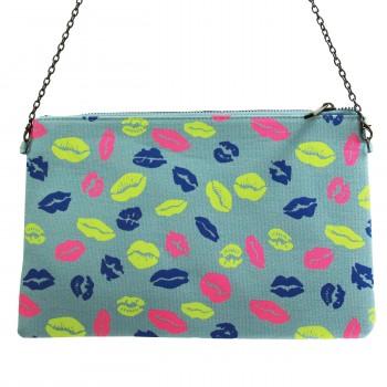 Pochette de soirée bleue à imprimés lèvres bisous multicolores