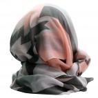 Foulard gris en coton et viscose à imprimé géométrique et à coeurs, roses et noirs