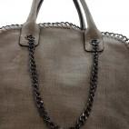 Sac à main taupe en tissu original et imperméable avec chaînes et maillons
