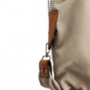 Sac à main gris en tissu sans motif, uni, avec rivets et détails en simili-cuir