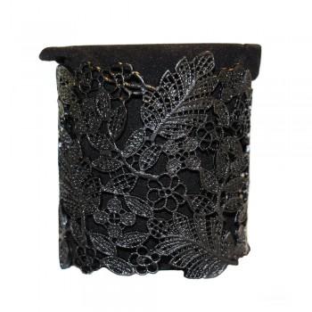 Bracelet acier, noir métal, motif fleur en style dentelle découpée. Bracelet jonc acier baroque ajustable