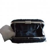Pochette de soirée noire en tissu plissé très habillée