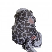 Foulard blanc/beige avec imprimé coeurs noirs/marrons et touche de corail